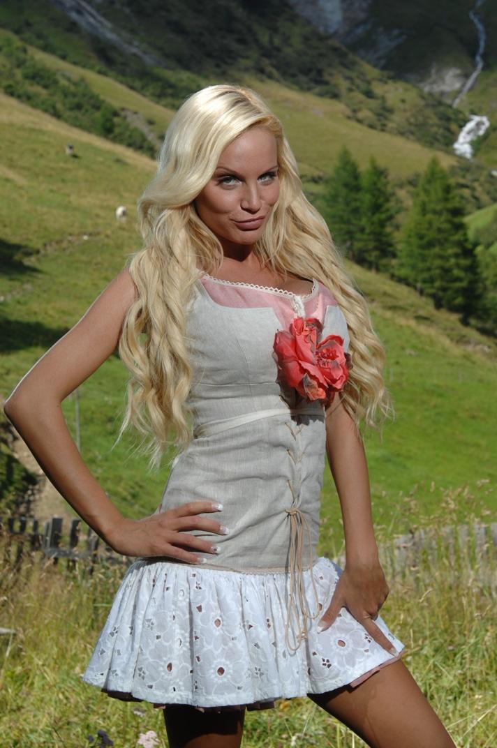 Die Alm: Almauftrieb bei ProSieben - Gina-Lisas Botox