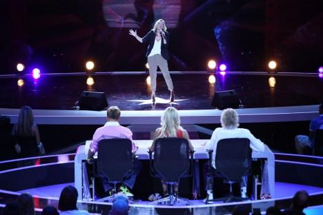 """Juliette Schoppmann (32) aus Stade singt """"Pour Que Tu MÁAimes Encore"""" von Celine Dion"""