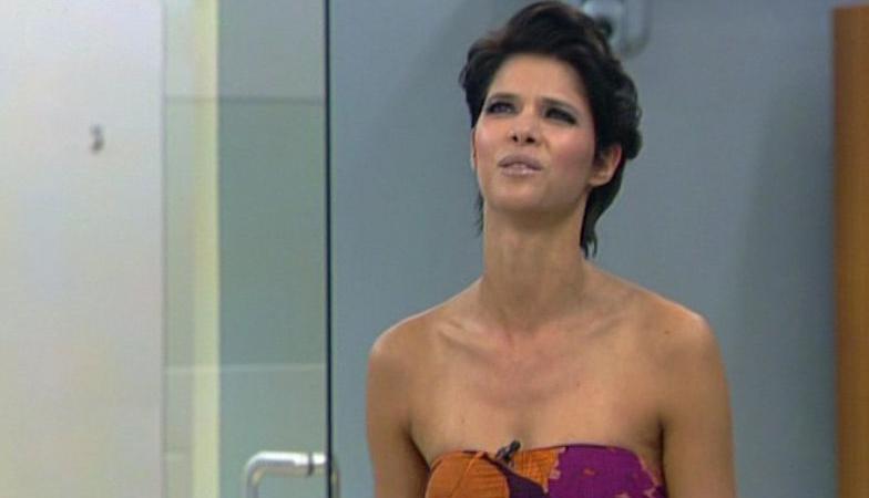 Big Brother 2010: Micaela Schäfer ganz alleine unter Männern - TV News