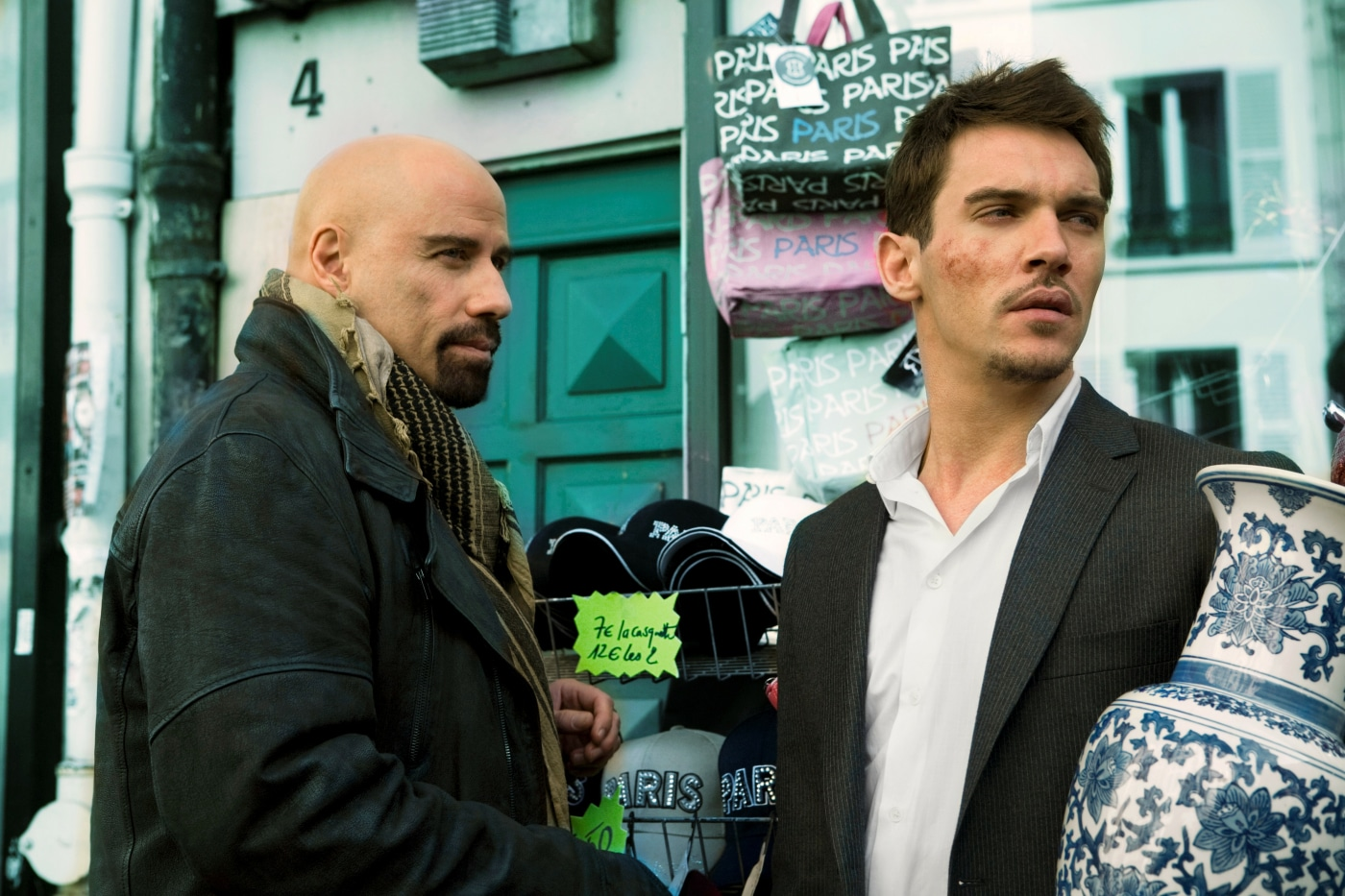 "John Travolta und Jonathan Rhys Meyers in ""From Paris with Love"" - Kino News"