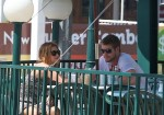 miley-cyrus-liam-hemsworth-have-breakfast-paty-restaurant
