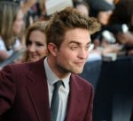 robert-pattinson-attends-the-the-twilight-saga-eclipse-premiere-los-angeles