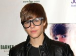 justin-bieber-halloween-appearance-barnes-noble-the-grove