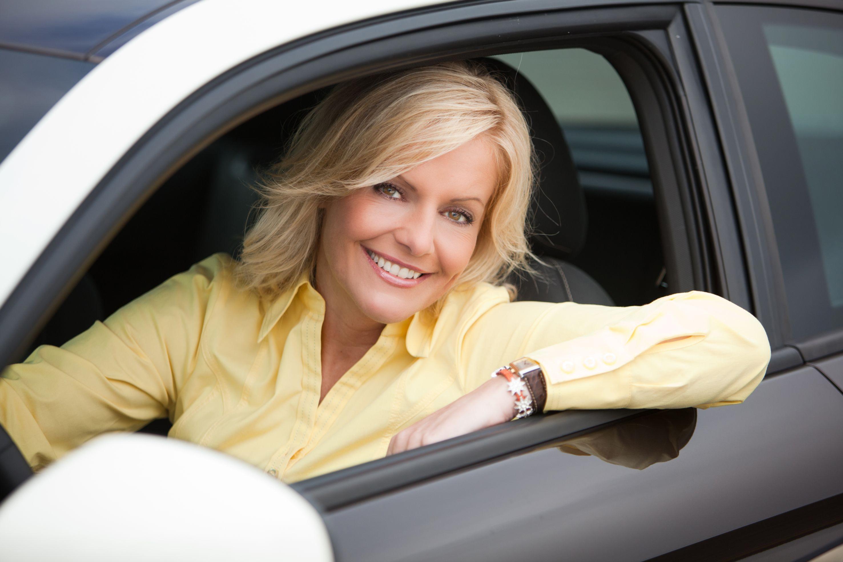 Quot Auto Mobil Quot Birte Karalus 252 Bernimmt Das Steuer Loomee Tv