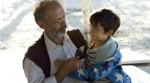 Hüseyin (Vedat Erincin) und sein Enkel Cenk (Rafael Koussouris).