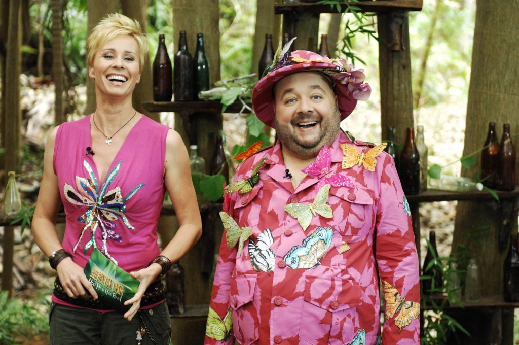 Sonja Zietlow und Dirk Bach präsentieren das fünfte Dschungelcamp