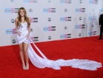 miley-cyrus-arrives-the-2010-american-music-awards-los-angeles