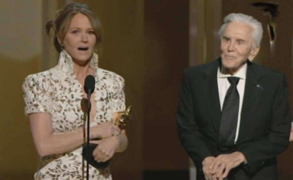 Melissa Leo und Kirk Douglas