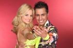 Thomas Karaoglan (17) tanzt mit der Profitänzerin Sarah Latton (32)