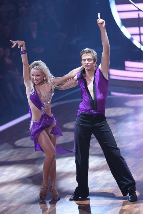 Jörn Schlönvoigt und Helena Kaschurow beim Tanzen