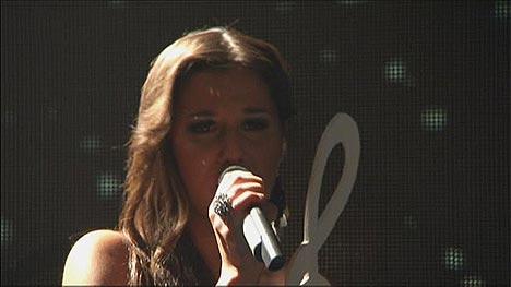 Sarah Engels beim Singen