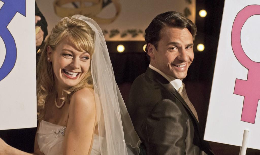 """Martina Hill (""""Biggy"""") und Stephan Luca (""""Arne"""") in Sony Pictures' RESTURLAUB."""