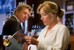 Eigentlich will Kate (Emma Thompson) nur ihre Ruhe haben und in einer Bar ihr Buch lesen - doch der charmante Harvey (Dustin Hoffman) gibt nicht auf.