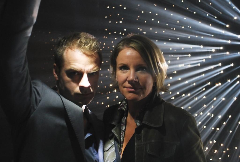 Marie (Mariele Millowitsch ) und Simmel (Hinnerk Schönemann) in Bremers Wohnung