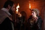 Die englische Königin (Simona Cuciurianu) und ihr Freibeuter Drake (Ioan Ionescu)