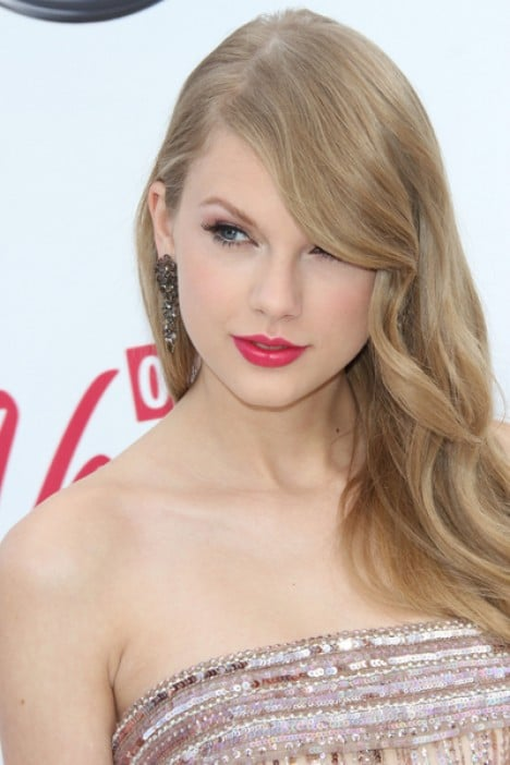 Taylor Swift - 2011 Billboard Music Awards - Arrivals - MGM Grand Garden Arena