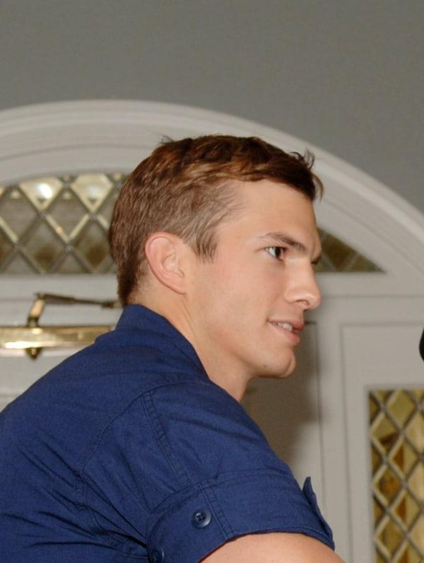 Ashton Kutcher will Charlie Sheen nicht ersetzen - Promi Klatsch und Tratsch