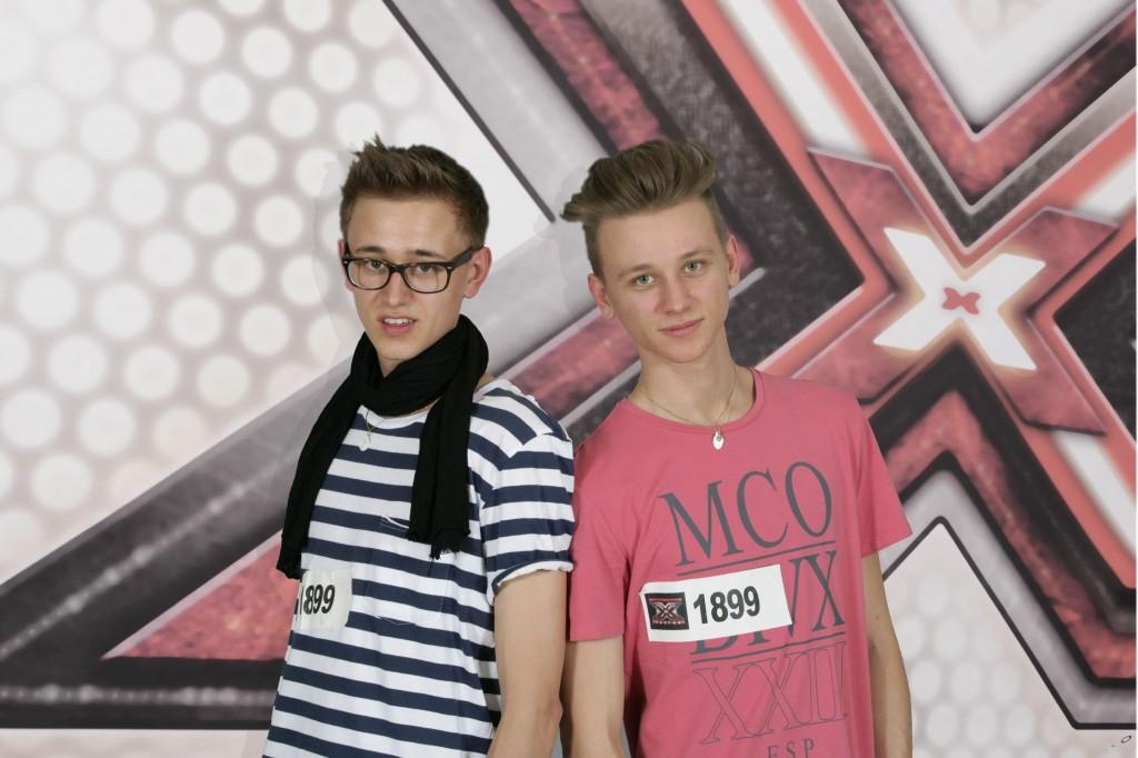 Kandidaten Manuel (18, l.) und Benjamin (19) treten bei X Factor 2011 als BenMan auf