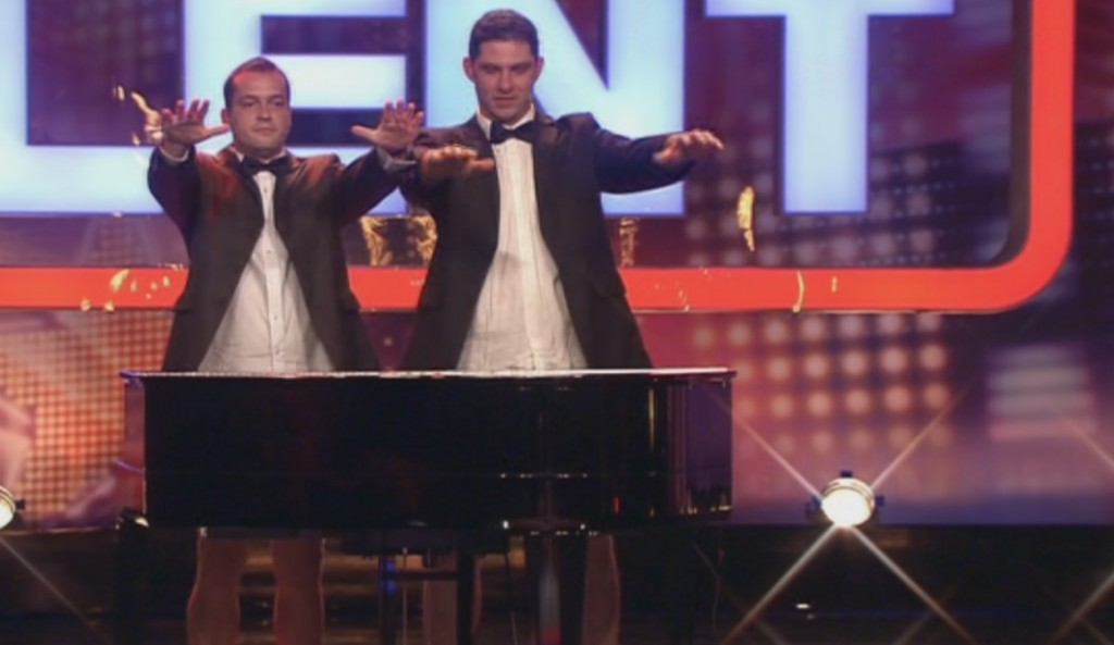 Penis Klavier bei Das Supertalent 2011