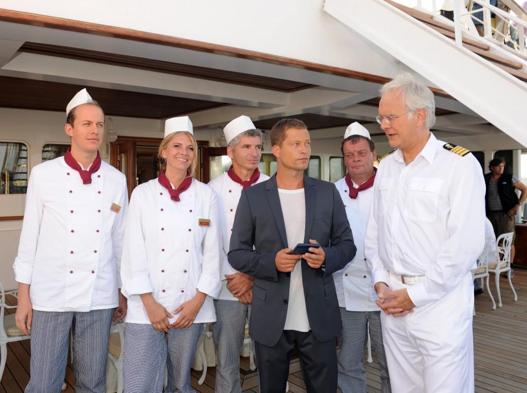Harald Schmidt und Til Schweiger auf dem Traumschiff