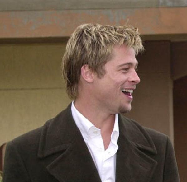 Polizei-Razzia am Set von Brad Pitt-Film - Promi Klatsch und Tratsch
