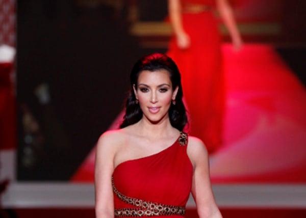Kim Kardashian redet immer noch mit Kris Humphries - Promi Klatsch und Tratsch