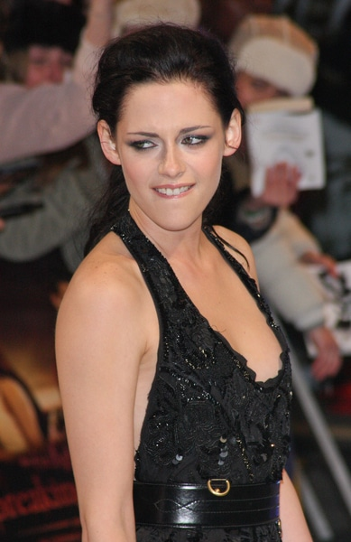 "Kristen Stewart - ""The Twilight Saga: Breaking Dawn Part 1"" UK Premiere"