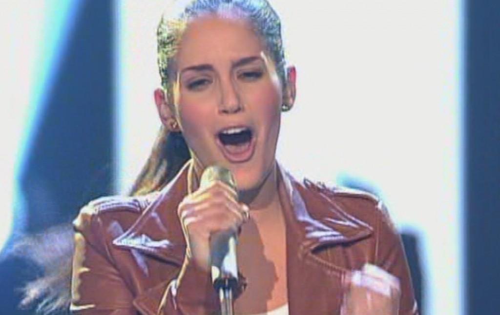 Raffaela Wais in der siebten Live Show von X Factor 2011