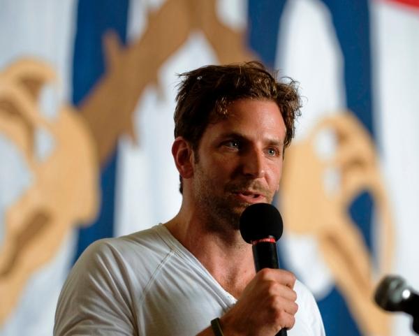 Bradley Cooper war in der Schule ein Herzensbrecher - Promi Klatsch und Tratsch