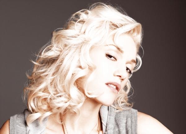 Gwen Stefani erholt sich im Kleiderschrank - Promi Klatsch und Tratsch