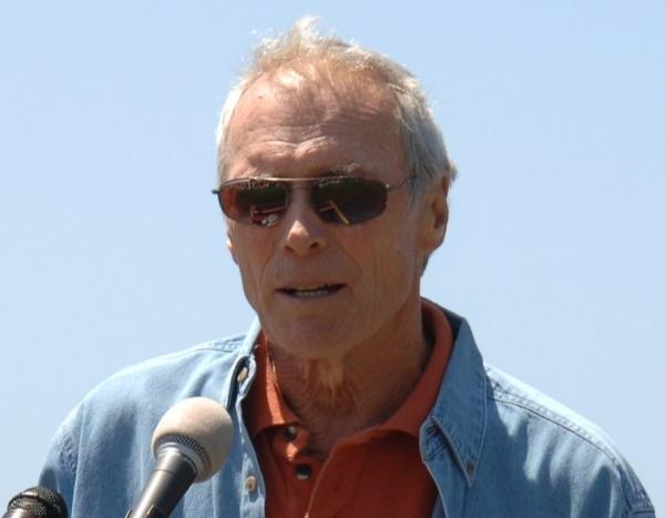 Clint Eastwood hat ein Herz für Eichhörnchen - Promi Klatsch und Tratsch