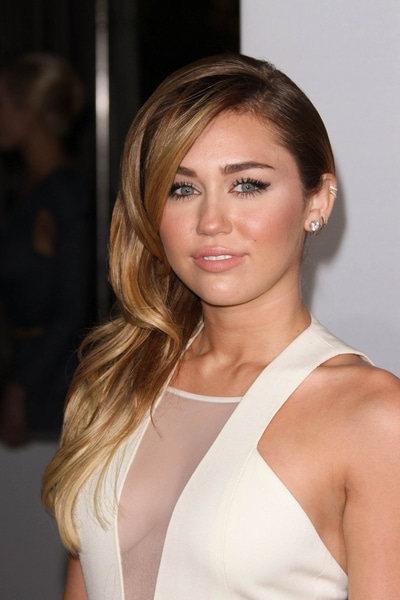 Miley Cyrus - People's Choice Awards 2012 - Arrivals - Nokia Theatre LA Live