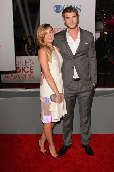 Liam Hemsworth and Miley Cyrus - People's Choice Awards 2012 - Arrivals