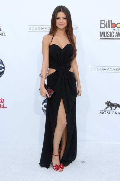 Selena Gomez - 2011 Billboard Music Awards - Arrivals - MGM Grand Garden Arena
