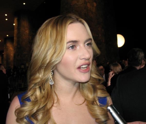 Kate Winslet hat gern rot lackierte Zehennägel - Promi Klatsch und Tratsch