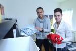 Jesse Ritch (li.) und Luca Hänni in ihrem Zimmer in der Kandidaten-Villa