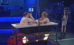 Elton vs Simon Feuerwanne