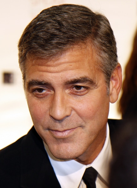 george clooney ist ihm seine freundin egal loomee tv. Black Bedroom Furniture Sets. Home Design Ideas
