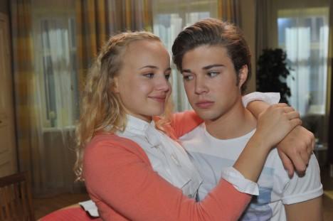 Claire (Luisa von Finckh) und Zac (Jascha Rust)