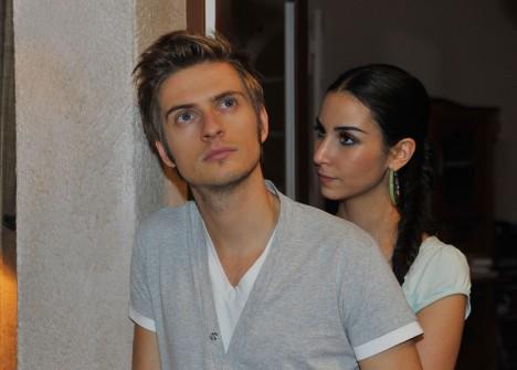 Philip (Jörn Schlönvoigt) und Ayla (Sila Sahin)