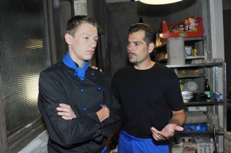 Leon (Daniel Fehlow, re.) und Vince (Vincent Krüger)