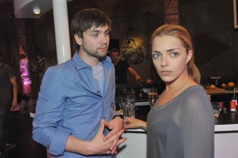 Emily (Anne Menden) und Patrick (Björn Harras)