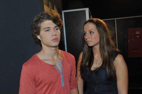 Tanja (Senta-Sofia Delliponti) und Zac (Jascha Rust)