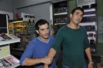 Tayfun (Tayfun Baydar, li.) und Mesut (Mustafa Alin)