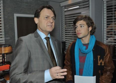 Zac (Jascha Rust, re.) und Gerner (Wolfgang Bahro) bei GZSZ