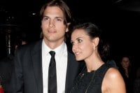 """Ashton Kutcher and Demi Moore - """"No Strings Attached"""" Los Angeles Premiere"""