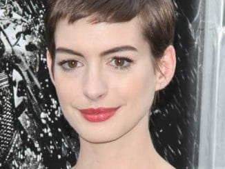 "Anne Hathaway - ""The Dark Knight Rises"" World Premiere"