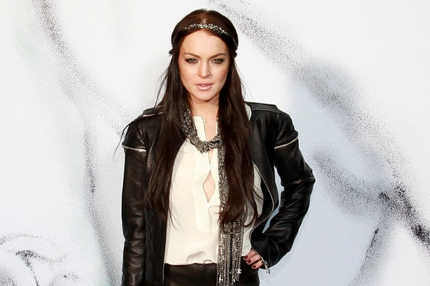 Lindsay Lohan - Paris Fashion Week Fall/Winter 2011