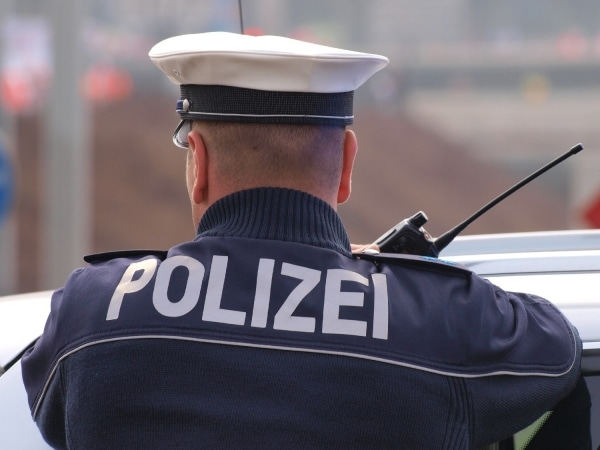 Nach Fahndungsaufruf: Polizei fasst mutmaßlichen Kinderschänder - TV News