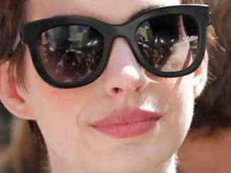 Anne Hathaway - Christopher Nolan Hand and Footprint Ceremony